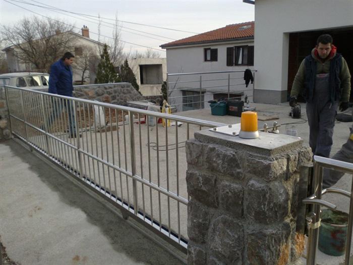 Portuni od inoxa Mesingal